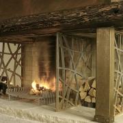 korteri söögitoa kamin Tallinna Vanalinnas / Dining room fireplace of an apartment in Tallinn Old Town