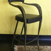 suur-korteri söögitoa toolid Tallinna Vanalinnas. autor Kalle Pruuden / Dining room chairs of a large apartment in Tallinn Old Town. Author Kalle Pruuden