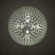 Mooste mõisa viinaköögi-lühter viinapitsidest. autor Jaan Mass / Distillery chandelier made of vodka shot glasses at Mooste Manor. Author Jaan Mass