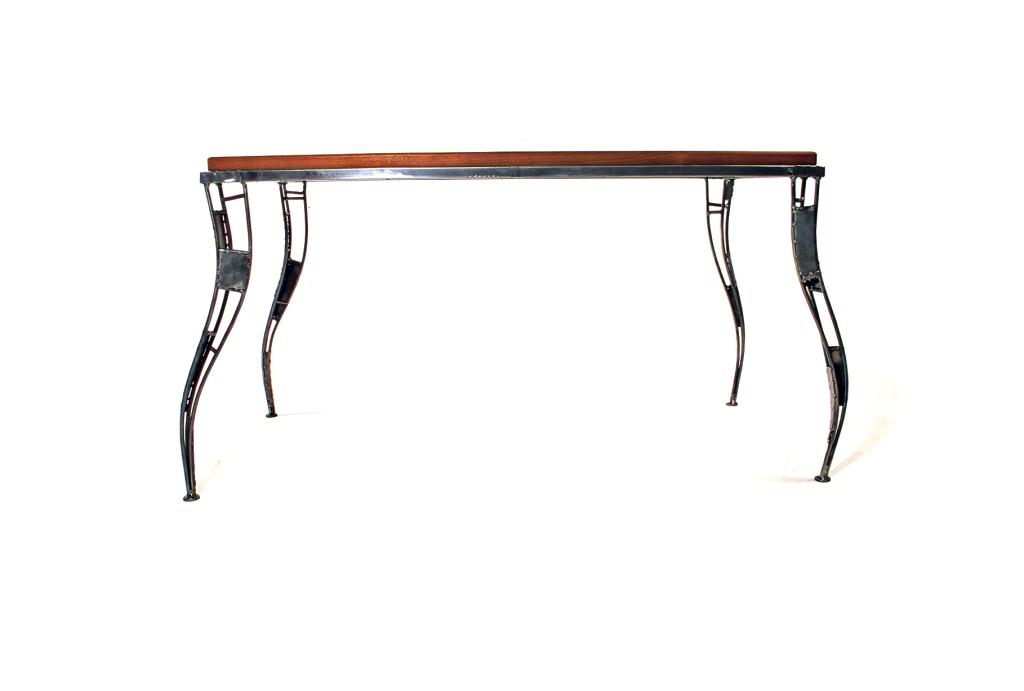 table-alexi-1024x691